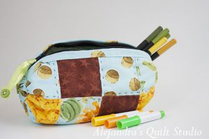 quilted bag with yoyos