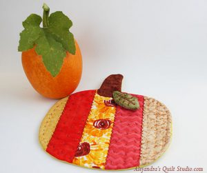 Pumpkin Mug Rug Tutorial