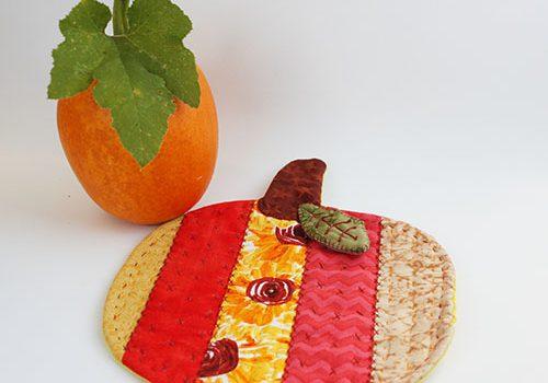 Pumpkin Mug Rug Tutorial