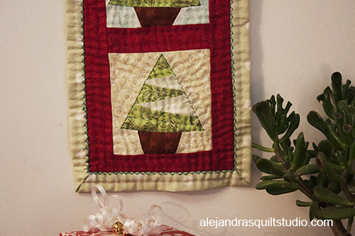 Christmas Mini Quilts Are My Favorites
