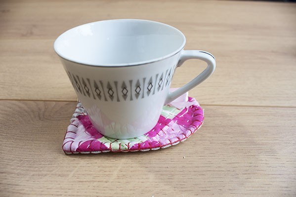 Quilted Heart Mug Rug Tutorial